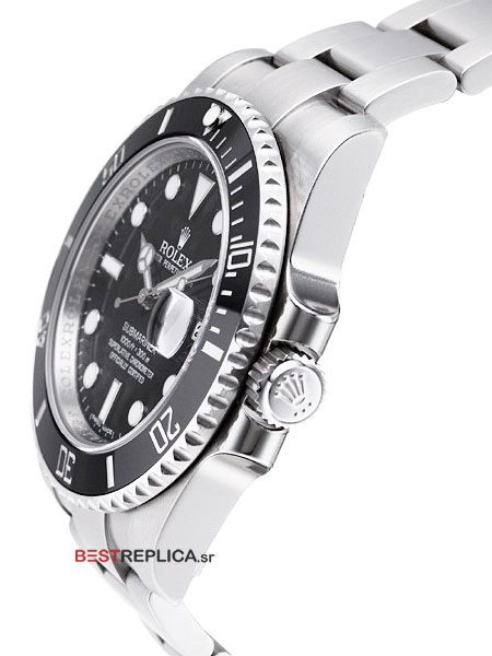 Rolex-Submariner-Black-SS-Date-side